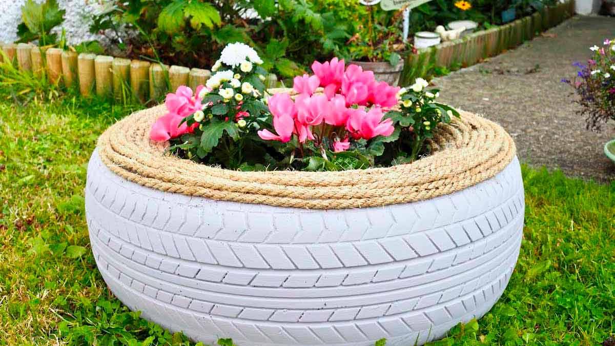 цветники из шин и покрышек фото